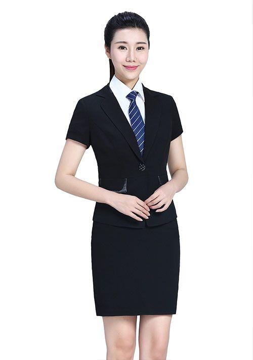 西服女装定制和选购你需要注意的3点事项